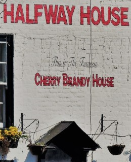 Sarre Cherry House 3